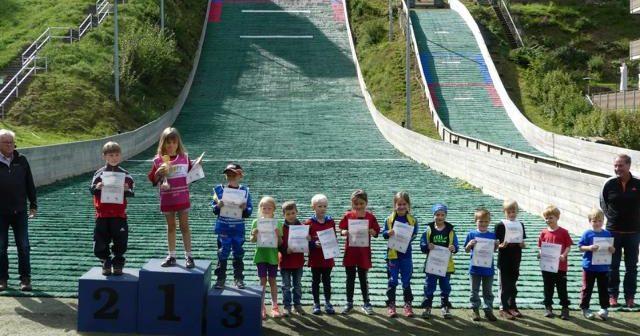 Heimsieg und Schanzenrekord beim 4. Springen der 35. Nord-Westdeutschen Mattenschanzentournee
